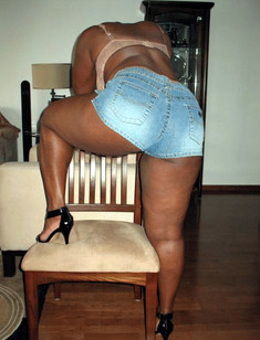 Ebony milf nude pictures, private photos